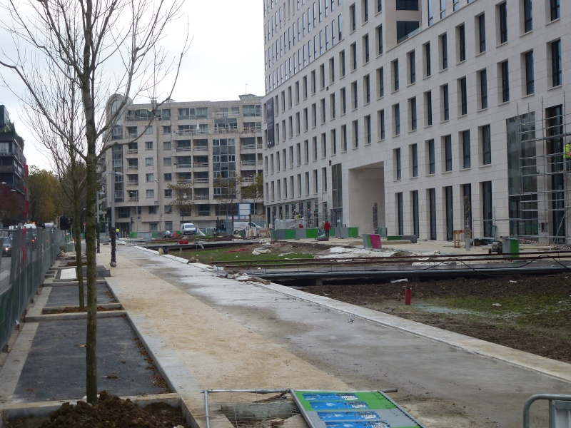 Avenue Emile Zola P1130410