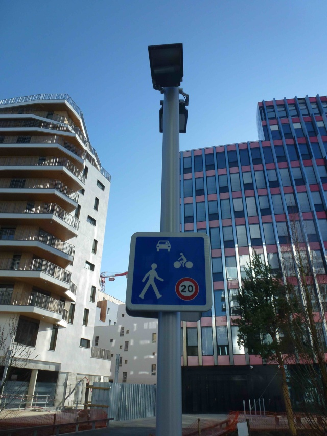 Avenue Emile Zola P1170121