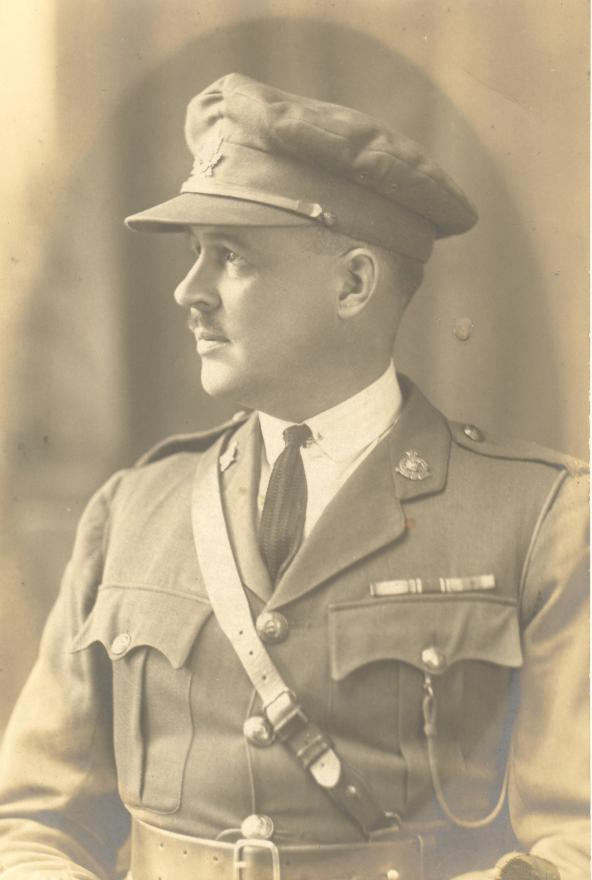 Lieut Col McArthurs CRCASC Trunk Photo_10