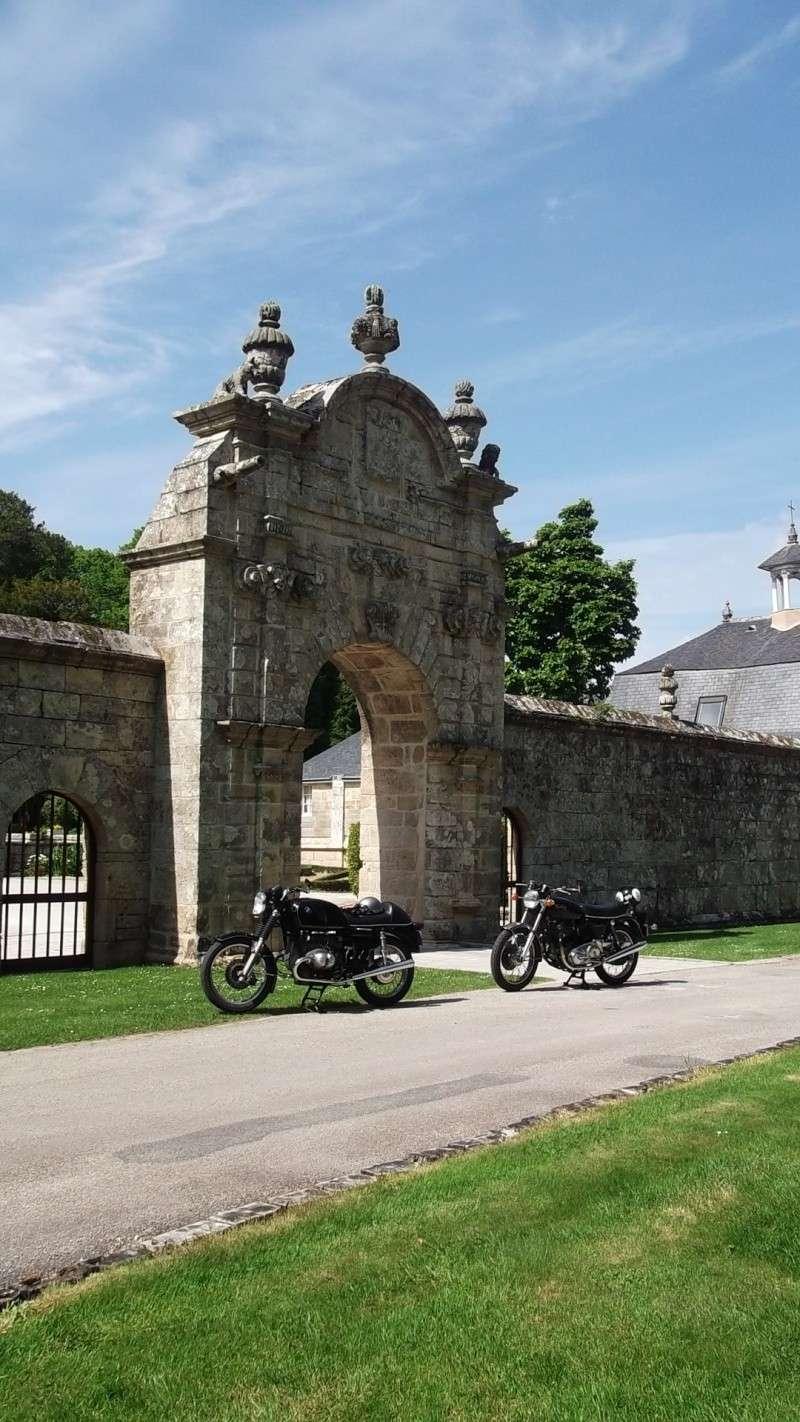 Photos de vous et de votre moto devant ....un château  - Page 5 Balade13