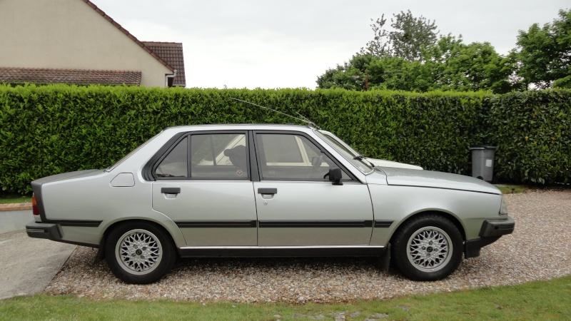 Une Renault plus modeste.... Dsc01510