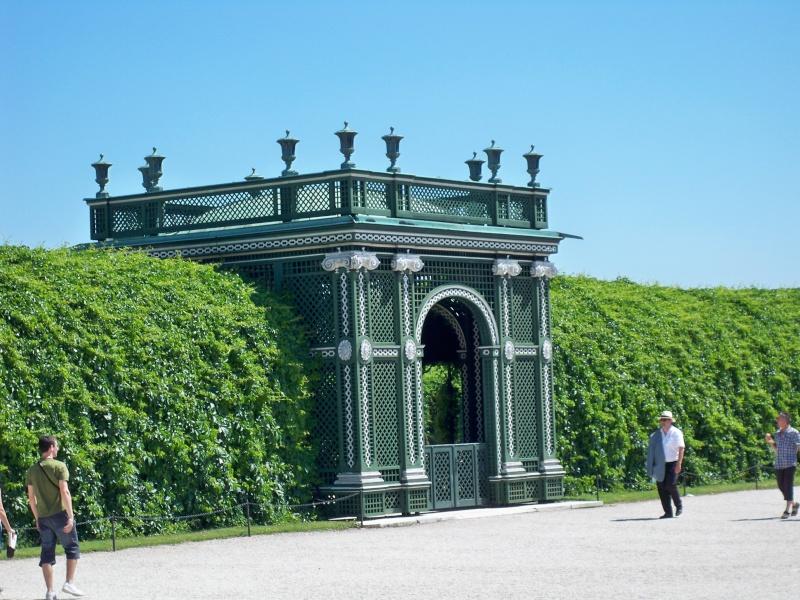 Le palais de Schönbrunn - Page 3 100_1233