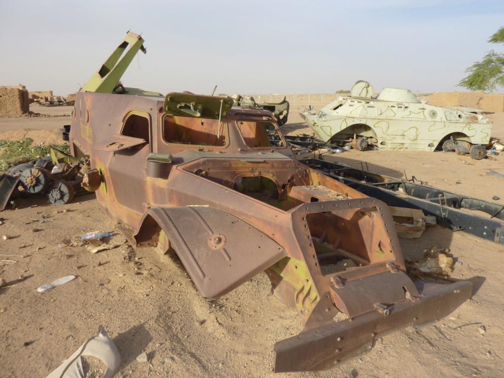 BTR 152 D - Page 2 P1040311