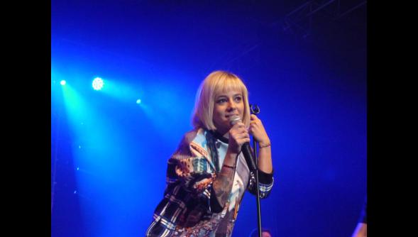 [EVENT] Alizée au Calais Live Radio6 13 avril 2014 14408911