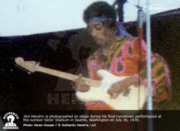 Toutes les vidéos de 1965 à 1970 Jimi_s11
