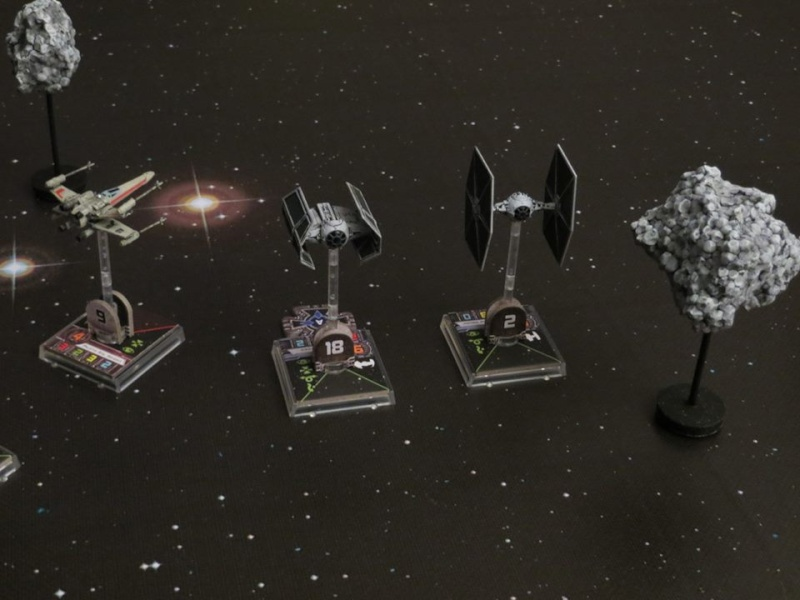 Scenario: In fuga tra gli asteroidi X-wing14