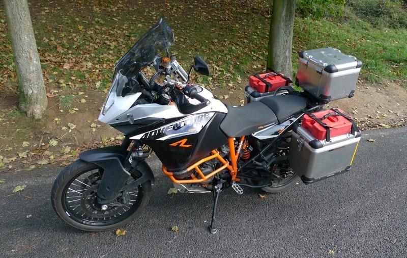 Poignées passager avec valise touratruc P1060420