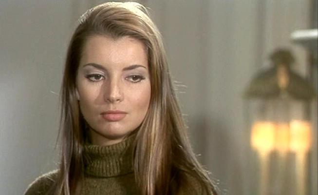 Jacqueline Sassard Biche110