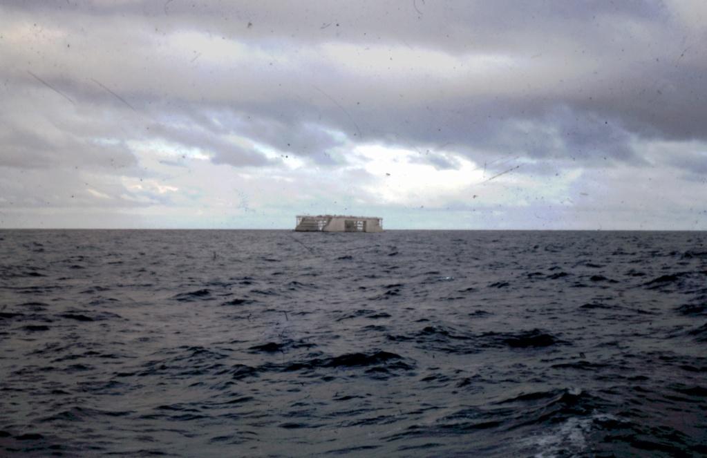 [ Recherches de camarades ] Recherche camarades qui ont navigué pour le remorquage du dock flottant en 1964 de Toulon à Tahiti 5-21-212