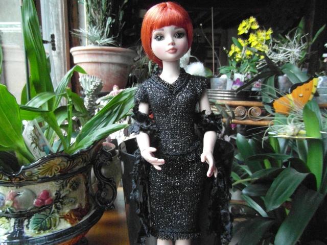 THEME DU MOIS DE NOVEMBRE 2013 : Ellowyne et sa petite robe noire Sam_7426