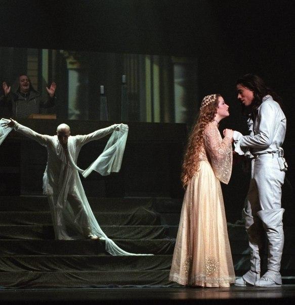 """Comédie musicale """"Roméo & Juliette"""" G0isje10"""