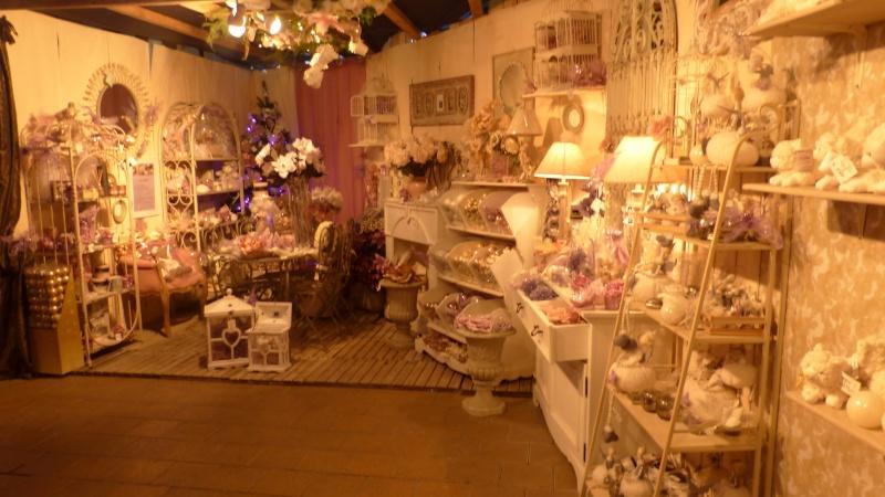 Décorations de Noël dans une jardinerie  P1190246