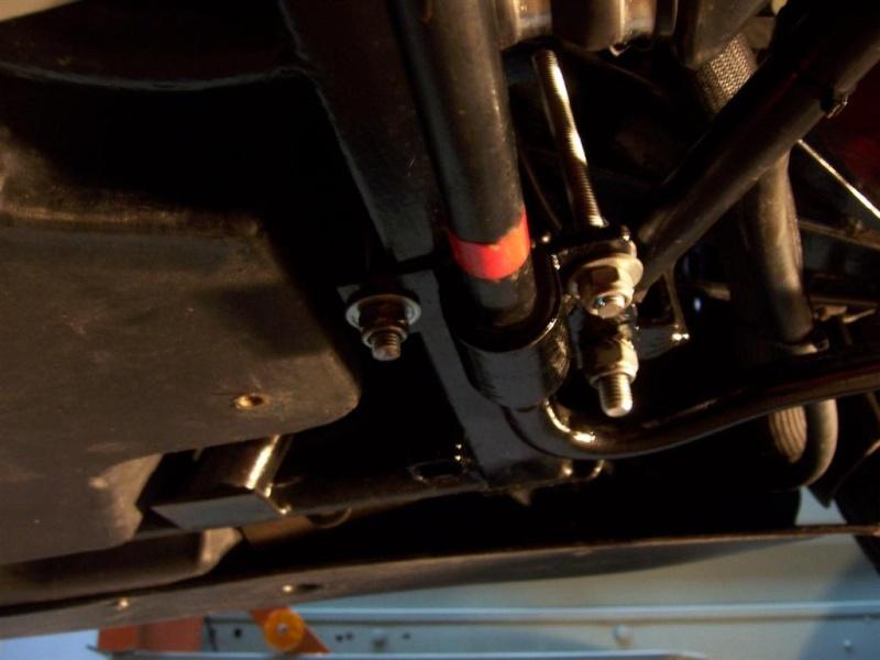 Montage de la barre stabilisatrice arrière F16 100_5322