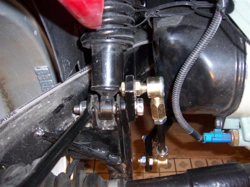 Montage de la barre stabilisatrice arrière F16 100_5417