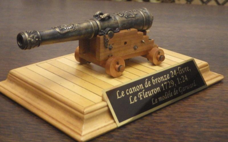 Le canon de bronze de 24 livres du Fleuron 1729, 1/24 (exposition de trois modèles) Imgp1520