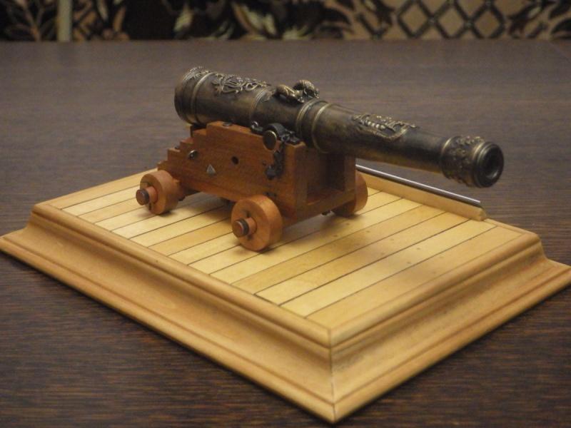 Le canon de bronze de 24 livres du Fleuron 1729, 1/24 (exposition de trois modèles) Imgp1521