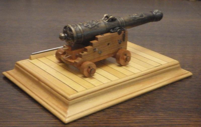 Le canon de bronze de 24 livres du Fleuron 1729, 1/24 (exposition de trois modèles) Imgp1522