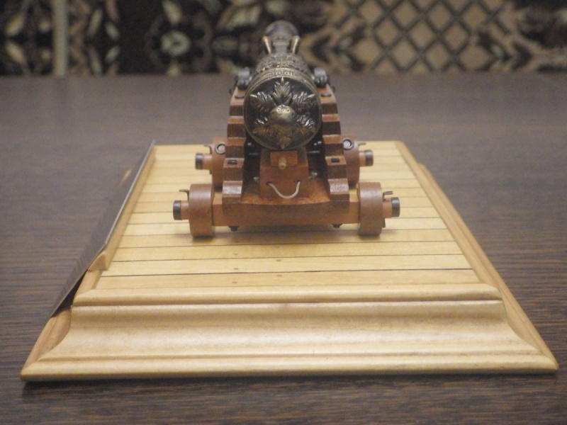 Le canon de bronze de 24 livres du Fleuron 1729, 1/24 (exposition de trois modèles) Imgp1523