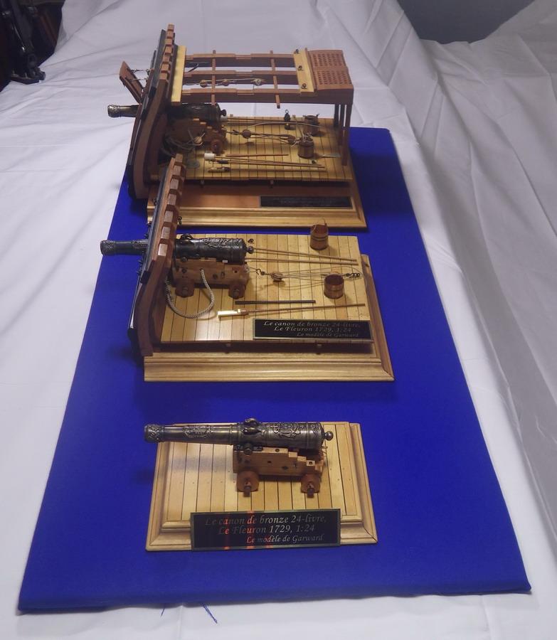 Le canon de bronze de 24 livres du Fleuron 1729, 1/24 (exposition de trois modèles) Imgp1533
