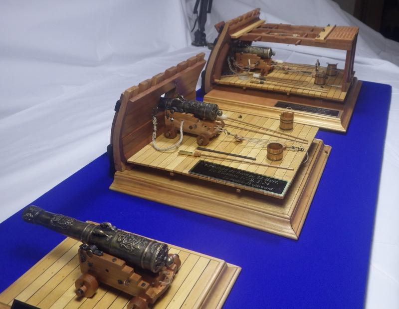 Le canon de bronze de 24 livres du Fleuron 1729, 1/24 (exposition de trois modèles) Imgp1535