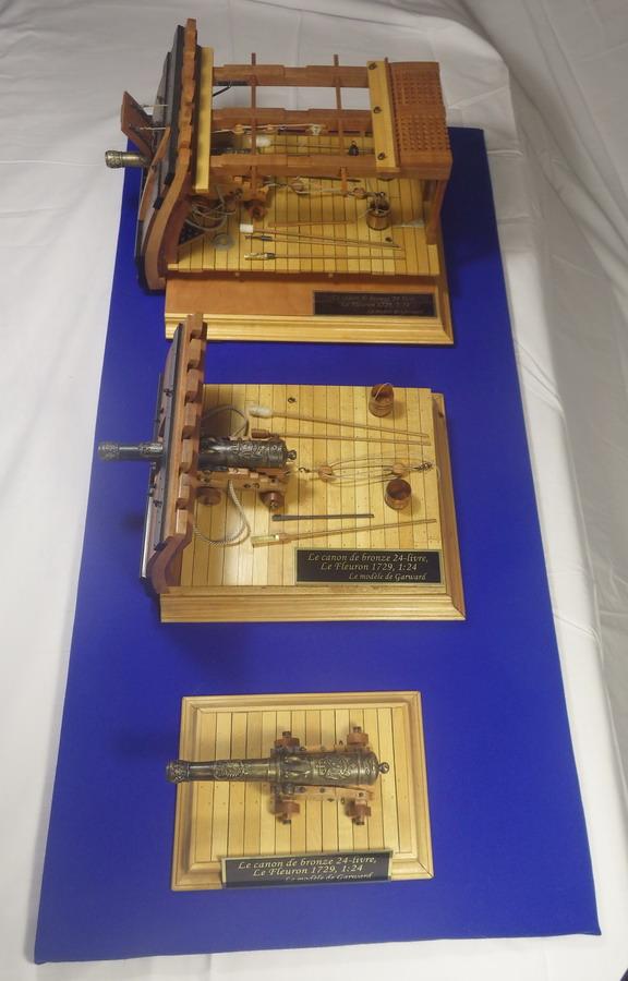 Le canon de bronze de 24 livres du Fleuron 1729, 1/24 (exposition de trois modèles) Imgp1536