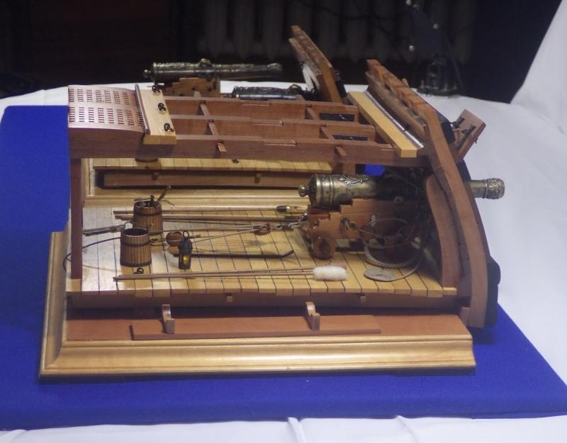 Le canon de bronze de 24 livres du Fleuron 1729, 1/24 (exposition de trois modèles) Imgp1538