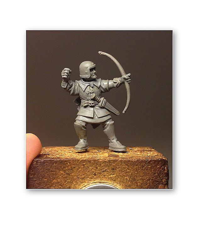 """SCULPTURE: Modelage d'un petit archer par """"Brother Vinni's"""" 02910"""
