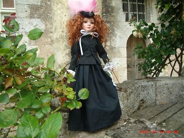 THEME DU MOIS DE NOVEMBRE 2013 : Ellowyne et sa petite robe noire - Page 2 2012_016