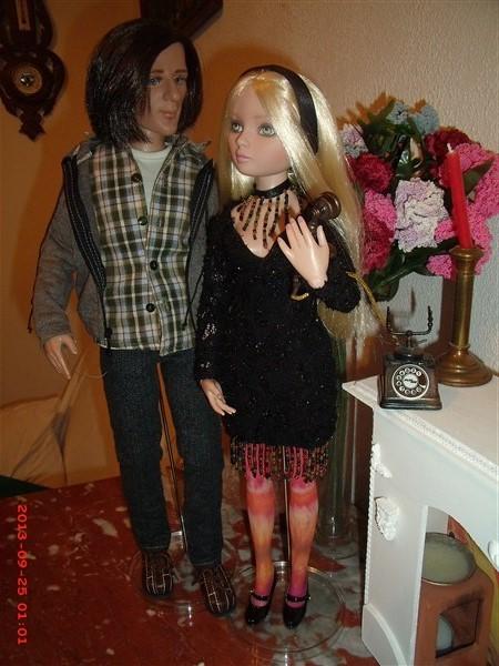 THEME DU MOIS DE NOVEMBRE 2013 : Ellowyne et sa petite robe noire - Page 2 Gedc0021