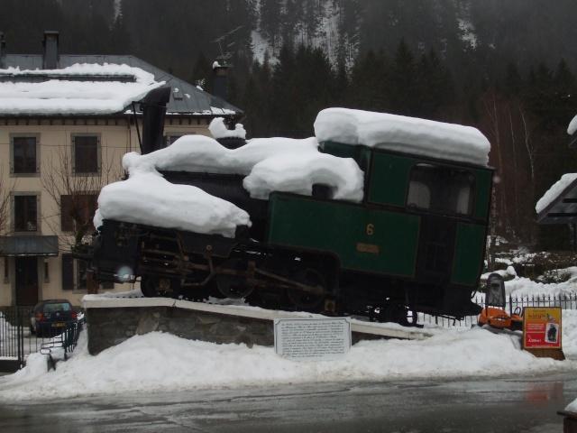 Photos de neige, dans le massif du Mont Blanc - Page 2 Dscf1410