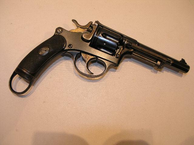 Revolvers d'ordonnance 1882 et 1929 P9301110
