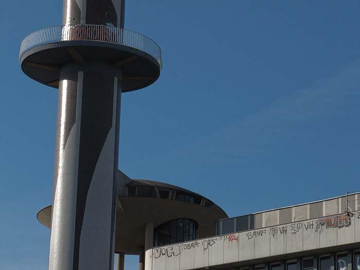 De la tour France-télécom au centre d'affaires la Mabilais France13