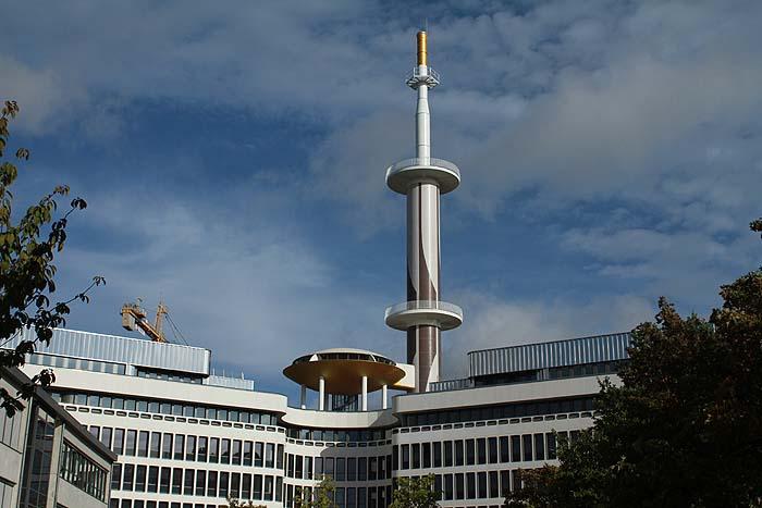 De la tour France-télécom au centre d'affaires la Mabilais La_mab10