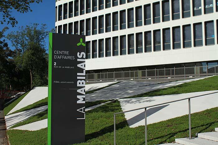 De la tour France-télécom au centre d'affaires la Mabilais La_mab18