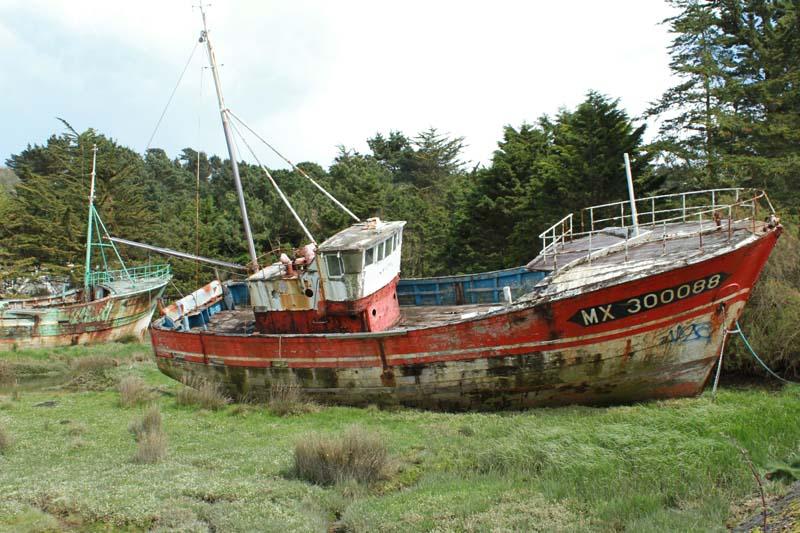 Fin de vie .... Cimetières de bateaux .... - Page 3 Plouga10