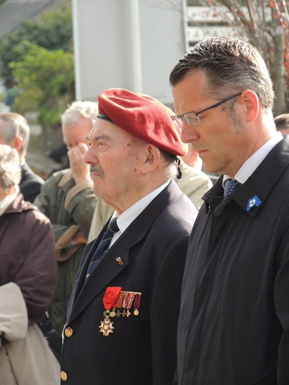 Sarzeau Morbihan - DRAKKAR - Hommage aux 58 parachutistes mort pour la France Dscn2016