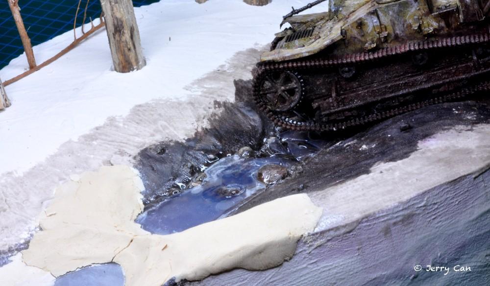 Renault UE capturé (Mirage Hobby, 1/35). neige, armes et début des figurines Srb_0116