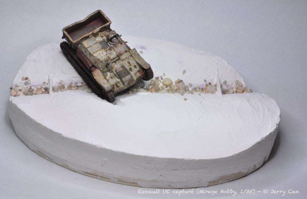 Renault UE capturé (Mirage Hobby, 1/35). neige, armes et début des figurines Srb_1226