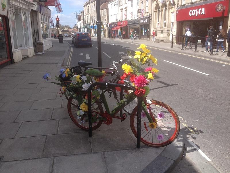 An unusual bike  062_bm10