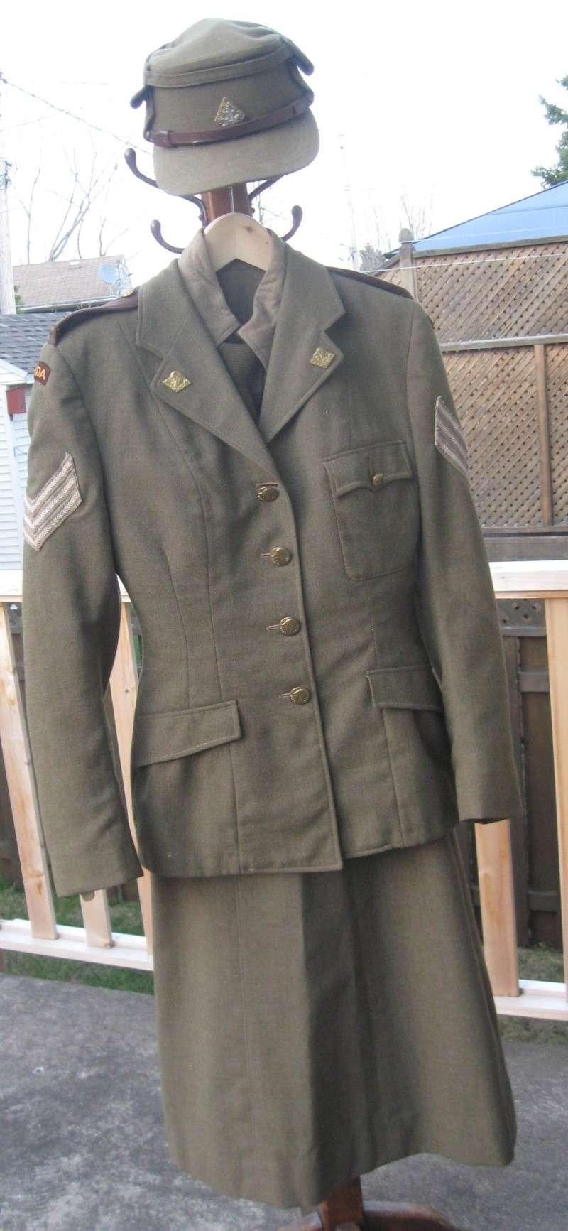Uniforme féminin du corps de l'armée canadienne CWAC's et battle dress Img_5614