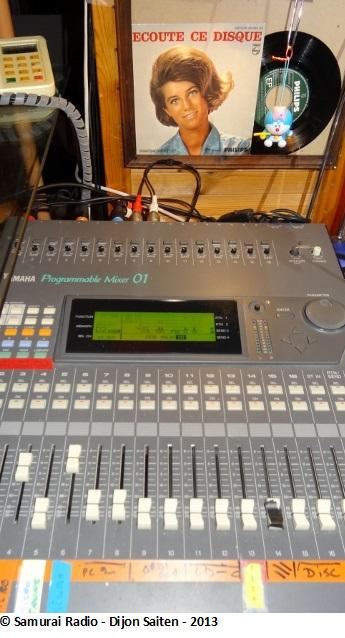 quel matériel pour faire une radio ? Dsc00511