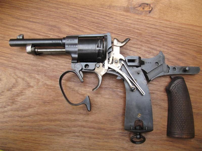 révolver Austro-hongrois WWI : Rast & Gasser Mle 1898  Img_6316