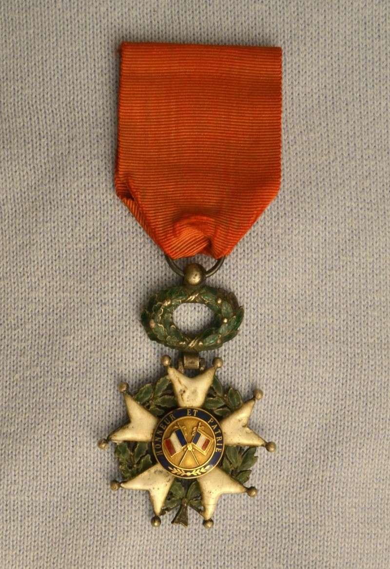 Une croix de la Légion d'Honneur de 1870 Leigio10