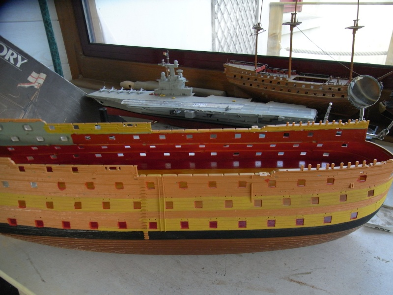 HMS Victory au 1/100ème de Heller. Rimg0021