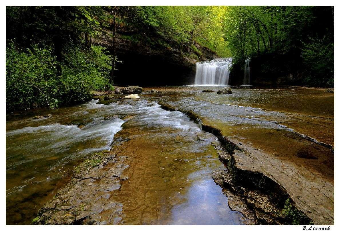 Les cascades..toujours les cascades... (+1) Cascad10