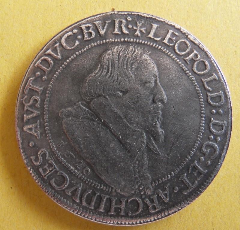 Thaler, landgraviat de Haute-Alsace au nom de Léopold archiduc d'Autriche 1620 Sdc10013
