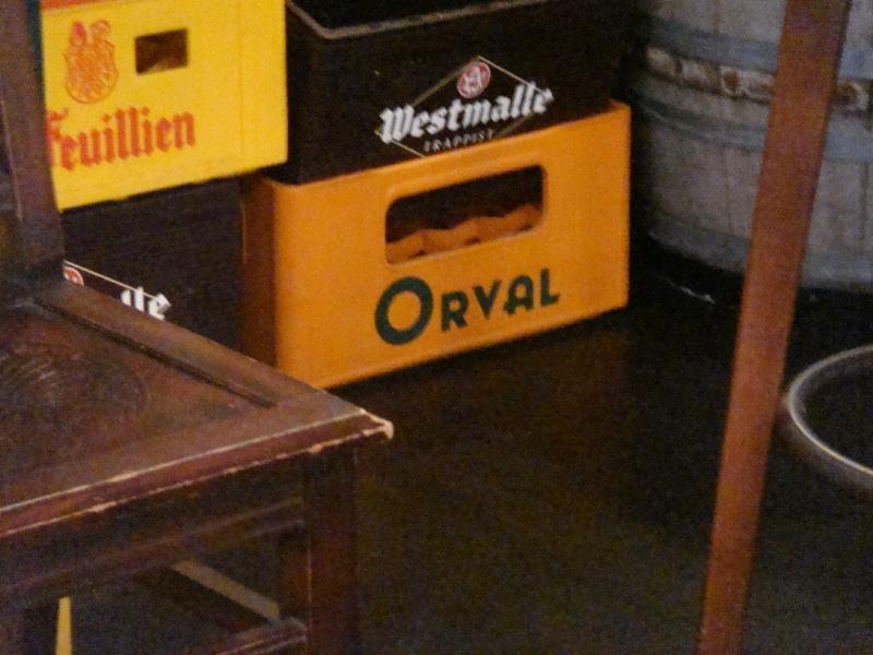 on recherche des moines à Orval Dsc05010