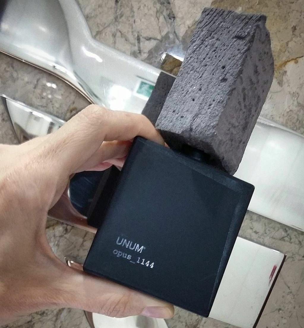 Le parfum - Page 27 F8145110