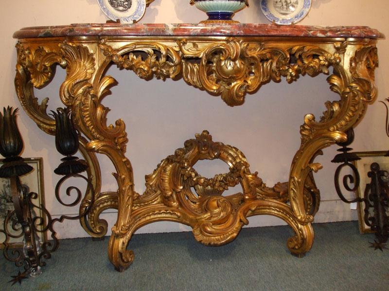 Une console en bois doré de style Louis XV 17011_10