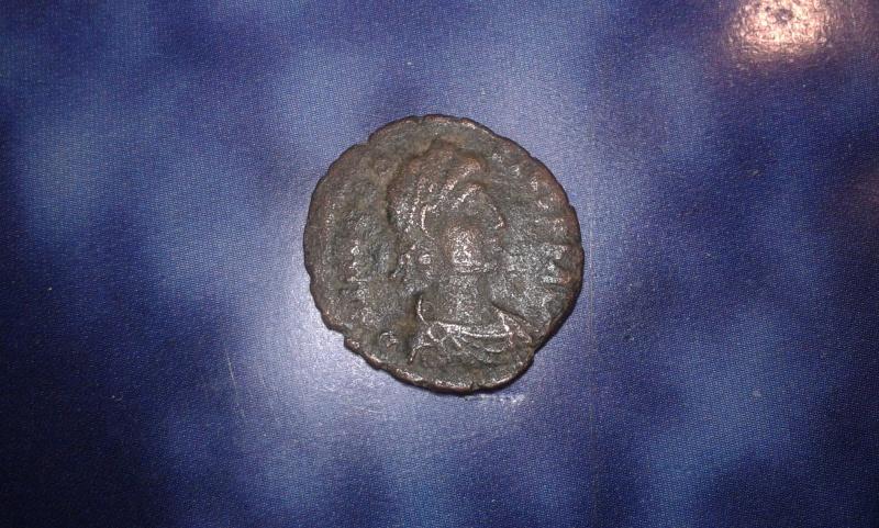 Aide pour monnaie de la fin d'empire romain + une byzantine  210